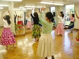 たのしいフラダンスの教室風景・作品